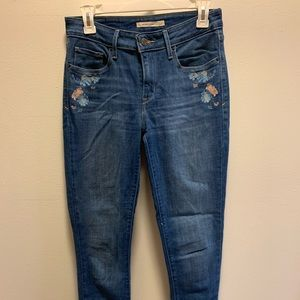 PERFECT CONDITION floral embroidered LEVI jeans
